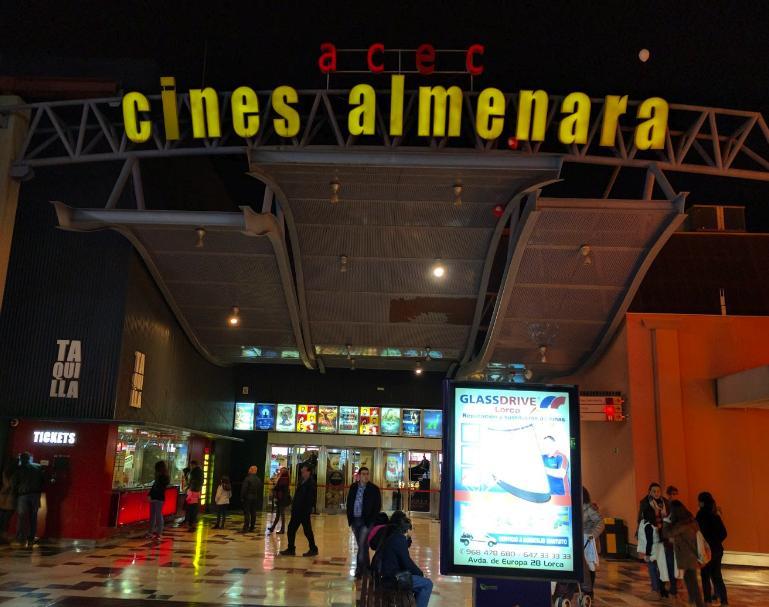 Cines Almenara - Foto www.salir.com